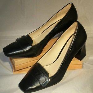 Naturalizer NWOT Black Leather N5 Comfort Heel